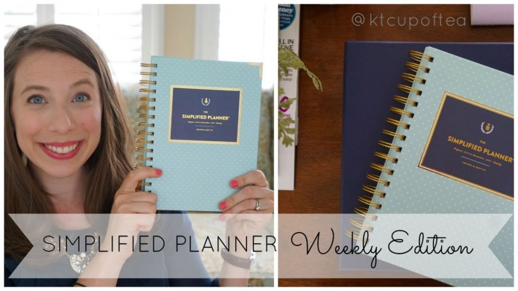 A peek inside the Simplified Planner 2016 Weekly Edition from Emily Ley